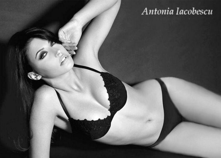 アントニア・ヤコベスク/Antonia Iacobescu